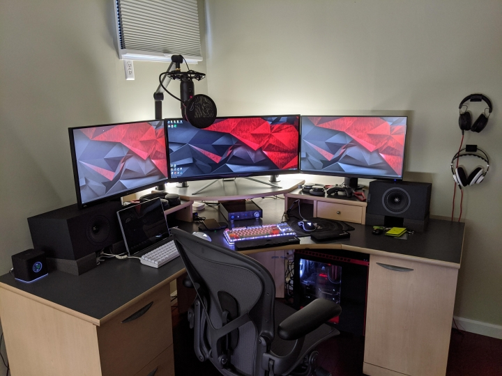 Show_Your_PC_Desk_UltlaWideMonitor_Part61_05.jpg