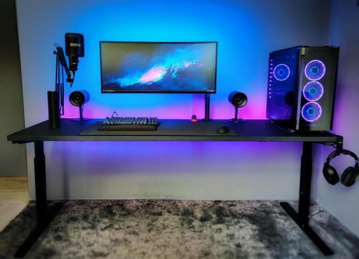 Show_Your_PC_Desk_UltlaWideMonitor_Part61_17.jpg