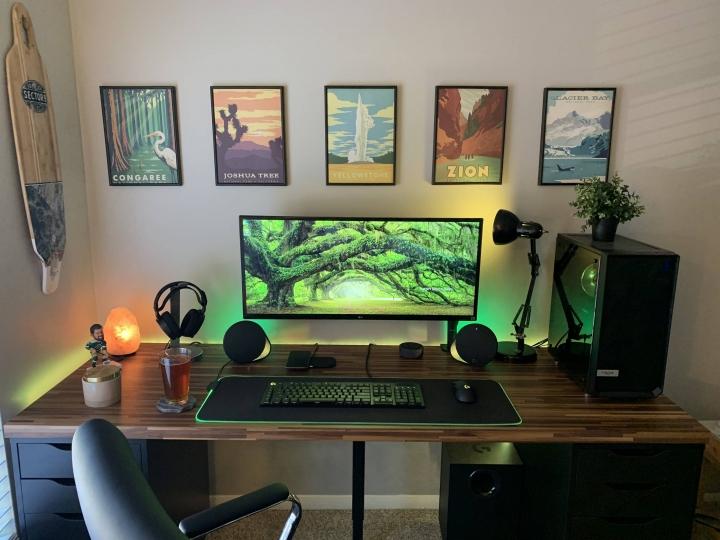 Show_Your_PC_Desk_UltlaWideMonitor_Part61_26.jpg