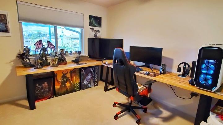 Show_Your_PC_Desk_UltlaWideMonitor_Part61_33.jpg