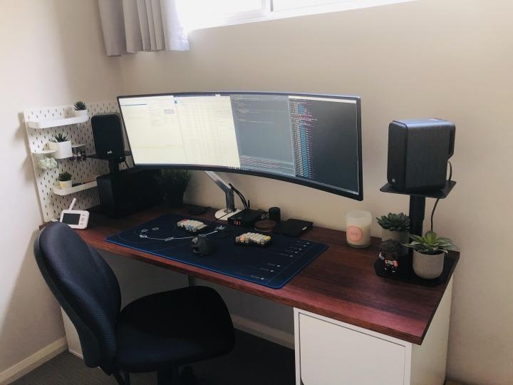 Show_Your_PC_Desk_UltlaWideMonitor_Part61_44.jpg