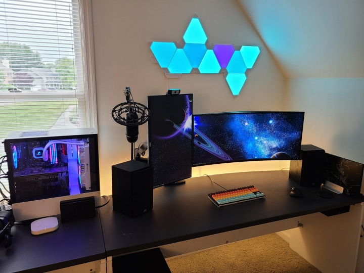 Show_Your_PC_Desk_UltlaWideMonitor_Part61_74.jpg