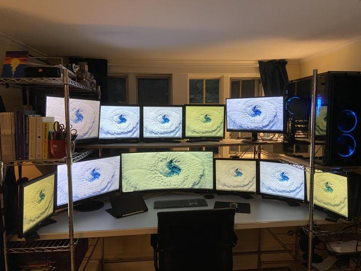 Show_Your_PC_Desk_UltlaWideMonitor_Part61_85.jpg