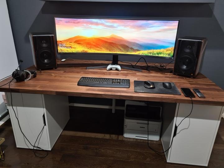 Show_Your_PC_Desk_UltlaWideMonitor_Part62_15.jpg