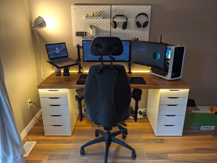 Show_Your_PC_Desk_UltlaWideMonitor_Part62_18.jpg