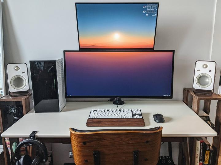 Show_Your_PC_Desk_UltlaWideMonitor_Part62_27.jpg
