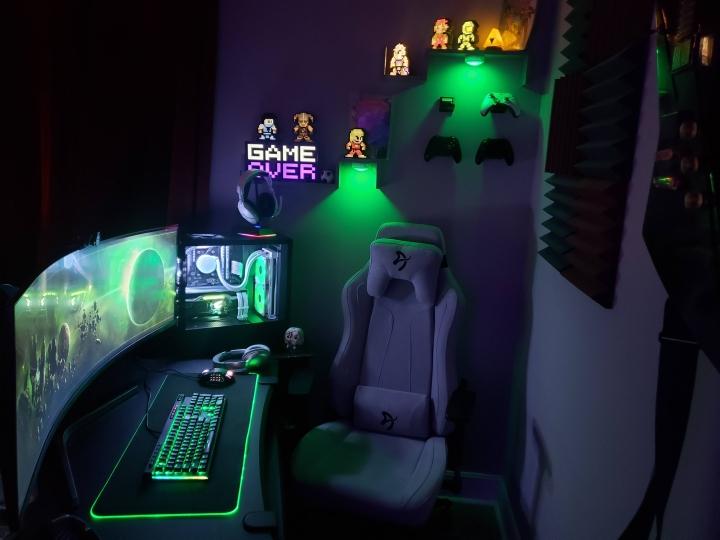 Show_Your_PC_Desk_UltlaWideMonitor_Part62_36.jpg