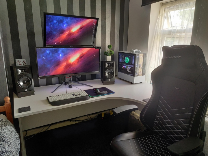 Show_Your_PC_Desk_UltlaWideMonitor_Part62_45.jpg