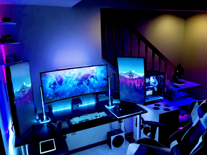Show_Your_PC_Desk_UltlaWideMonitor_Part62_46.jpg