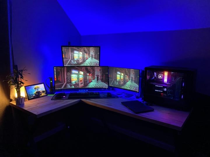 Show_Your_PC_Desk_UltlaWideMonitor_Part62_63.jpg