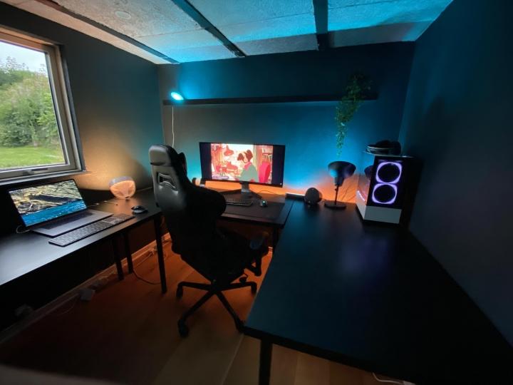 Show_Your_PC_Desk_UltlaWideMonitor_Part62_79.jpg