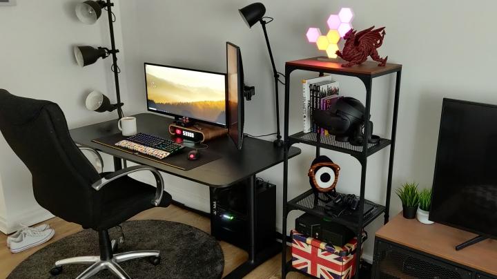 Show_Your_PC_Desk_UltlaWideMonitor_Part62_80.jpg