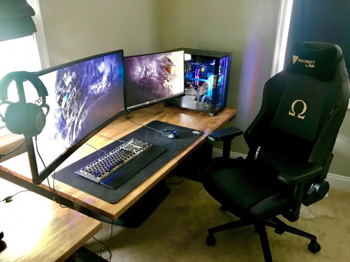 Show_Your_PC_Desk_UltlaWideMonitor_Part62_82.jpg