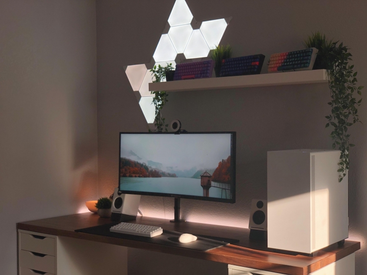 Show_Your_PC_Desk_UltlaWideMonitor_Part63_10.jpg