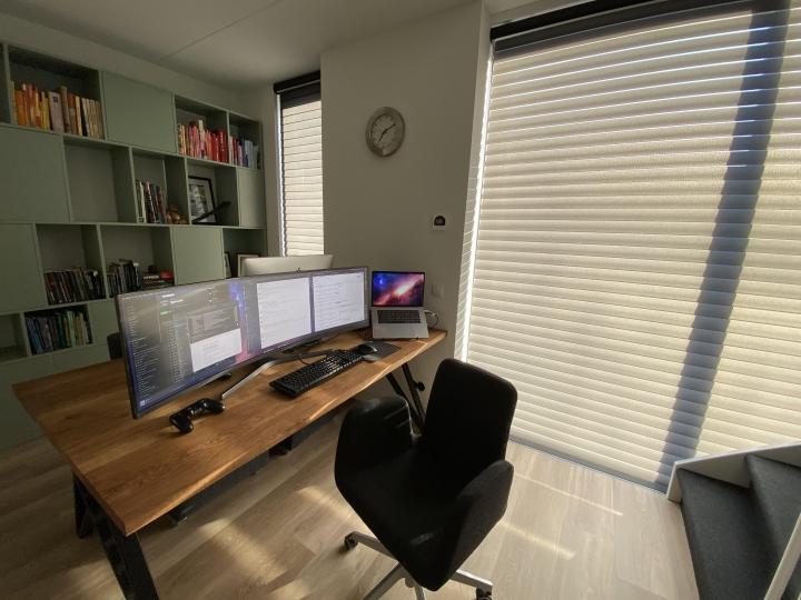 Show_Your_PC_Desk_UltlaWideMonitor_Part63_16.jpg