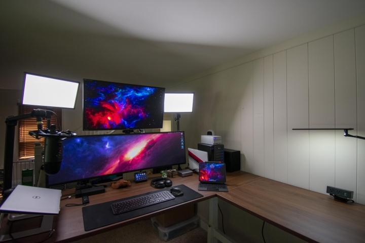 Show_Your_PC_Desk_UltlaWideMonitor_Part63_19.jpg