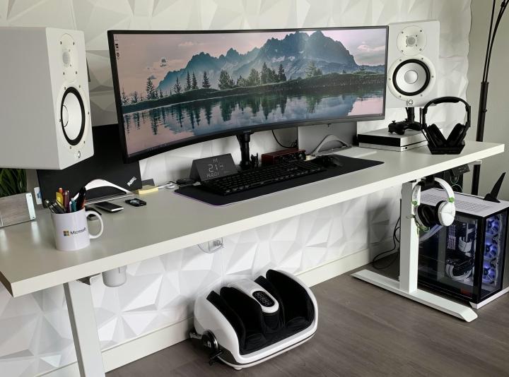 Show_Your_PC_Desk_UltlaWideMonitor_Part63_51.jpg