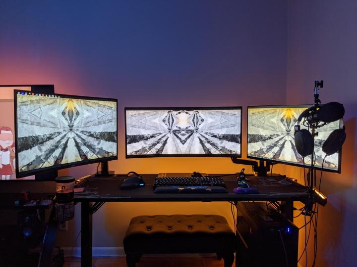 Show_Your_PC_Desk_UltlaWideMonitor_Part63_52.jpg