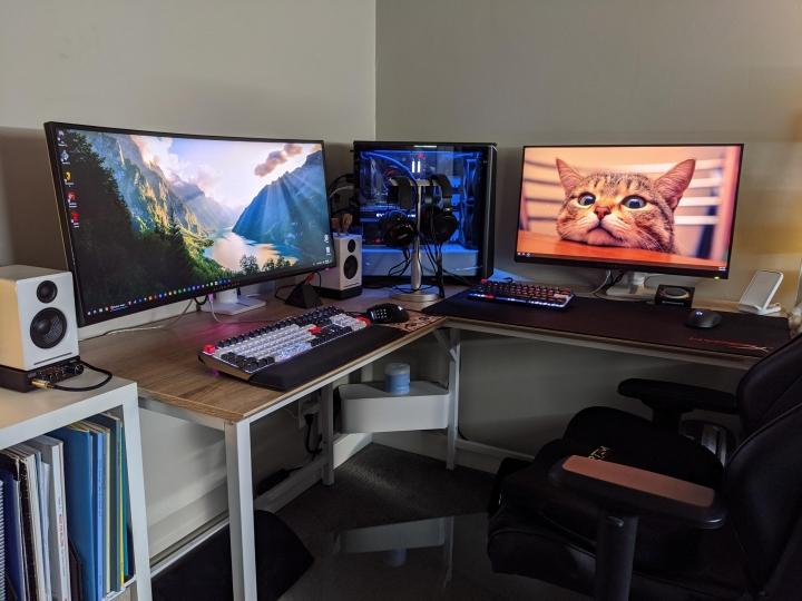 Show_Your_PC_Desk_UltlaWideMonitor_Part63_55.jpg