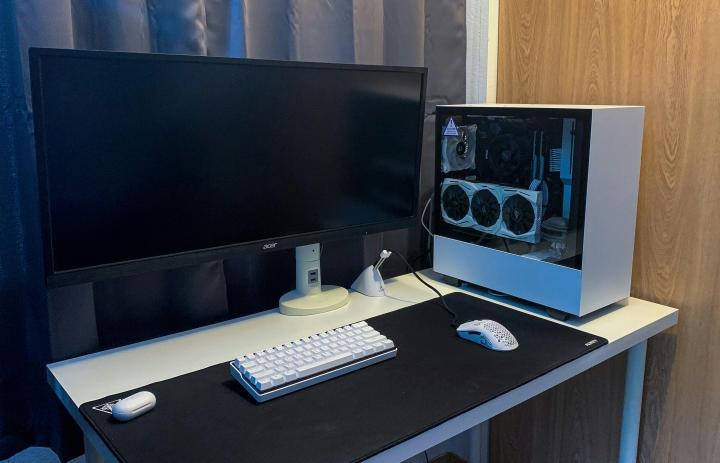 Show_Your_PC_Desk_UltlaWideMonitor_Part63_64.jpg