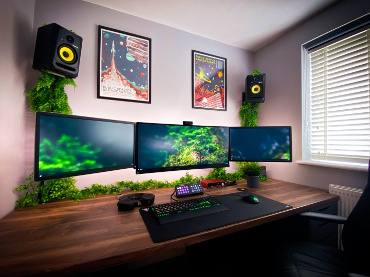 Show_Your_PC_Desk_UltlaWideMonitor_Part63_85.jpg