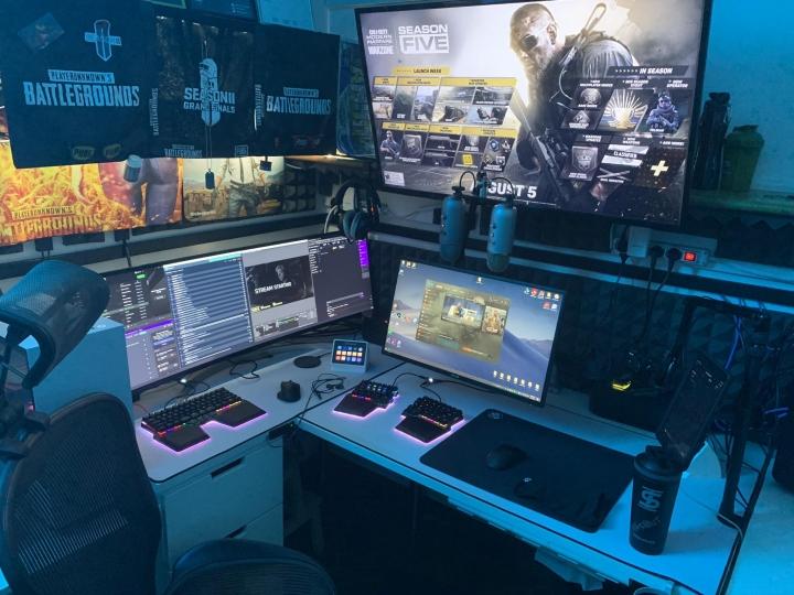 Show_Your_PC_Desk_UltlaWideMonitor_Part63_87.jpg