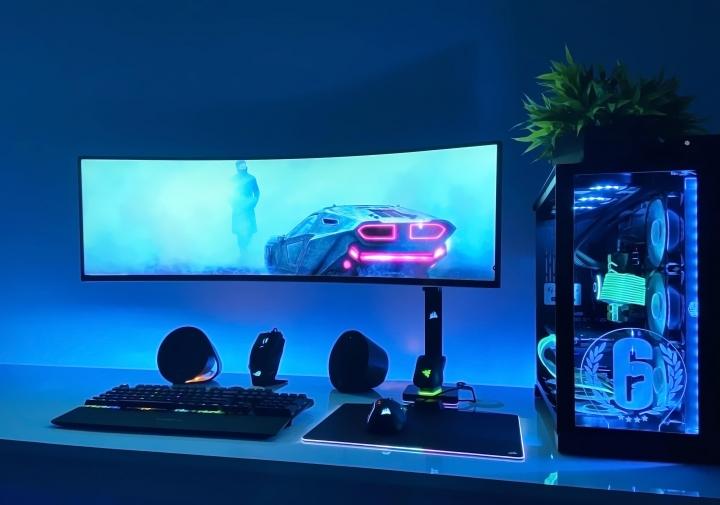 Show_Your_PC_Desk_UltlaWideMonitor_Part63_98.jpg