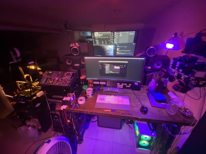 Show_Your_PC_Desk_UltlaWideMonitor_Part64_05.jpg
