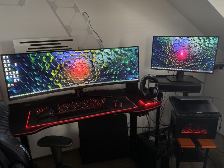 Show_Your_PC_Desk_UltlaWideMonitor_Part64_29.jpg