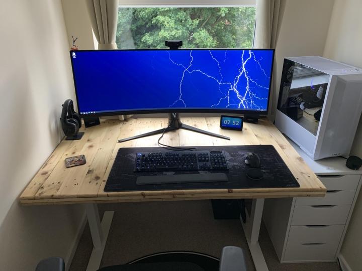 Show_Your_PC_Desk_UltlaWideMonitor_Part64_36.jpg