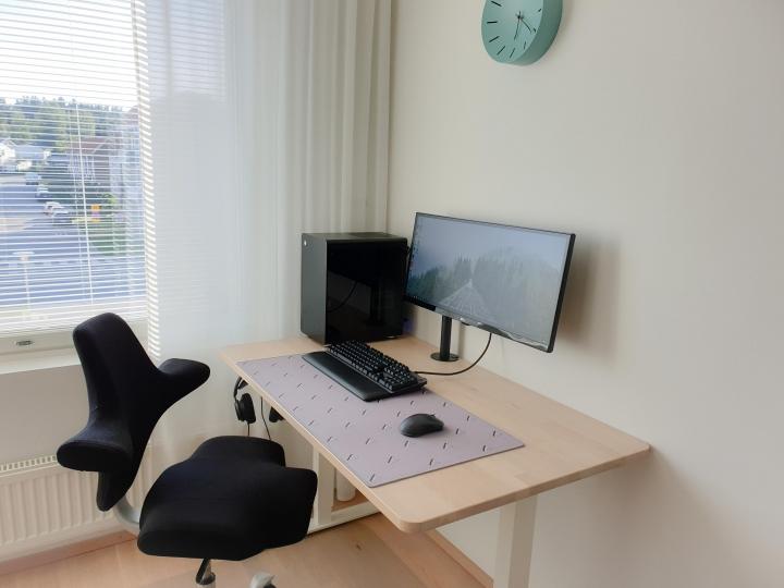 Show_Your_PC_Desk_UltlaWideMonitor_Part64_44.jpg