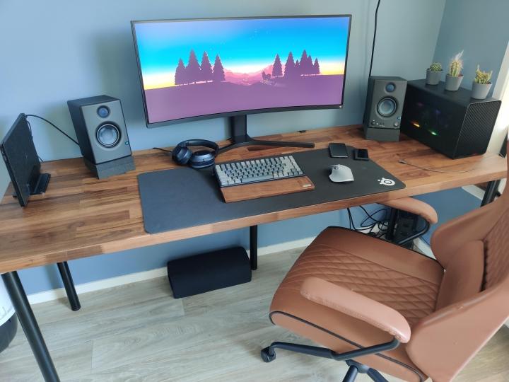 Show_Your_PC_Desk_UltlaWideMonitor_Part64_49.jpg