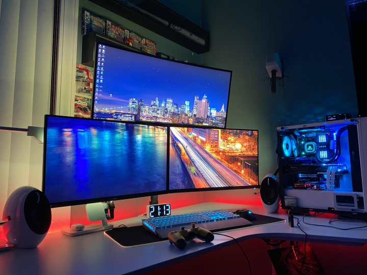 Show_Your_PC_Desk_UltlaWideMonitor_Part64_53.jpg