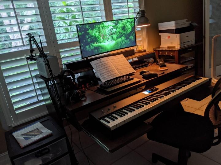 Show_Your_PC_Desk_UltlaWideMonitor_Part64_72.jpg