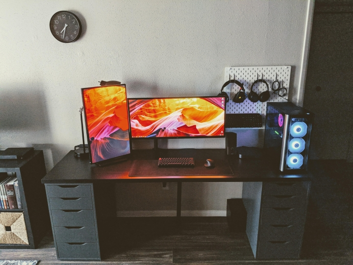 Show_Your_PC_Desk_UltlaWideMonitor_Part64_84.jpg