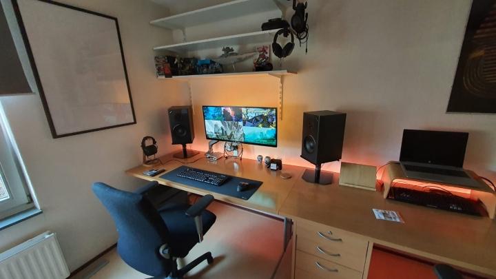 Show_Your_PC_Desk_UltlaWideMonitor_Part64_93.jpg