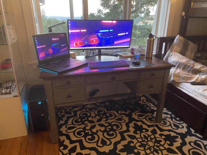 Show_Your_PC_Desk_UltlaWideMonitor_Part64_96.jpg