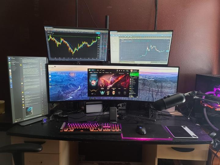 Show_Your_PC_Desk_UltlaWideMonitor_Part65_08.jpg