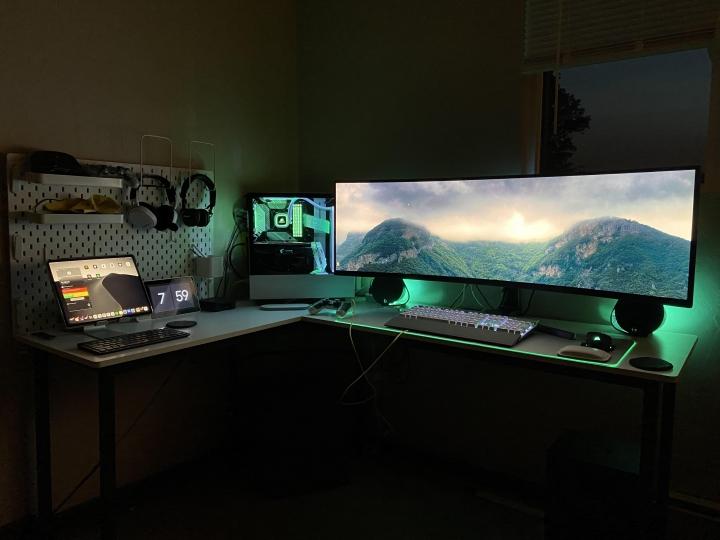Show_Your_PC_Desk_UltlaWideMonitor_Part65_34.jpg