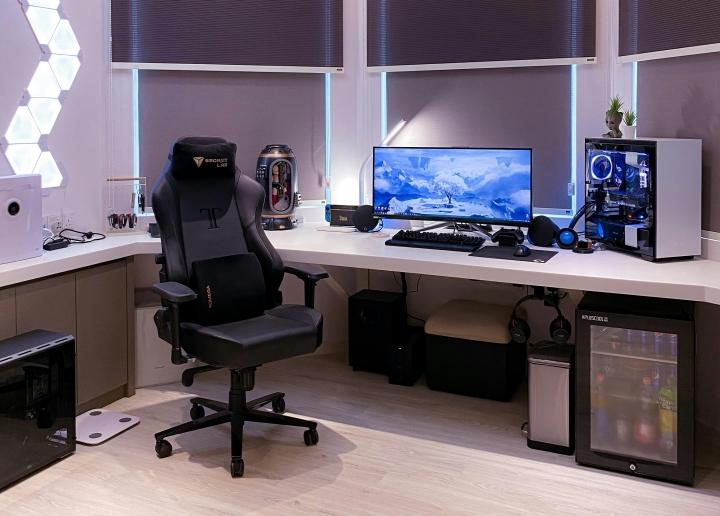 Show_Your_PC_Desk_UltlaWideMonitor_Part65_36.jpg