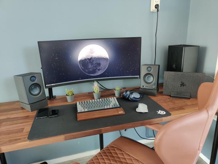 Show_Your_PC_Desk_UltlaWideMonitor_Part65_46.jpg