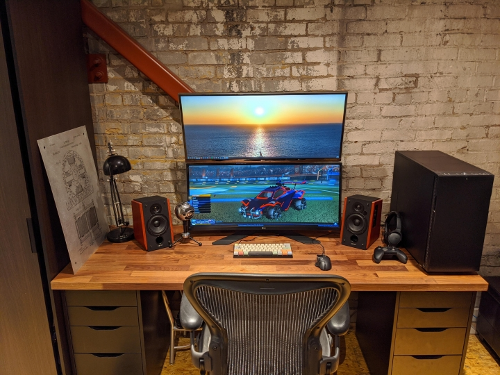 Show_Your_PC_Desk_UltlaWideMonitor_Part65_48.jpg