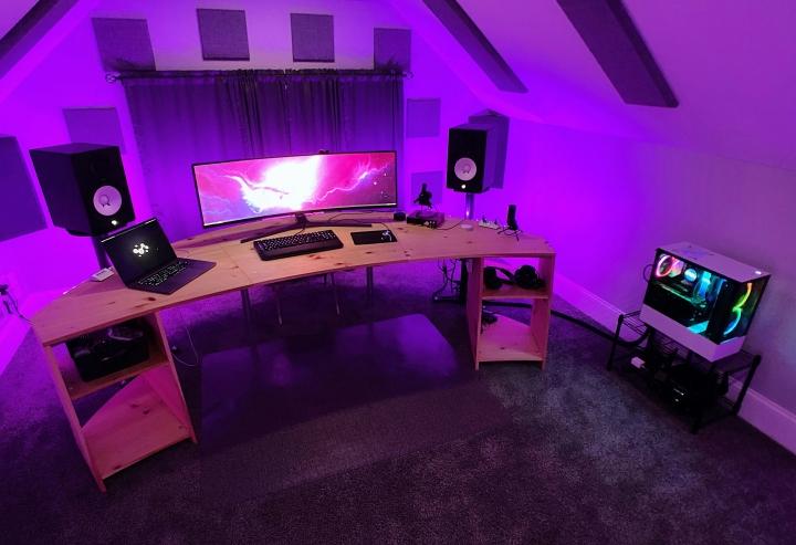 Show_Your_PC_Desk_UltlaWideMonitor_Part65_55.jpg