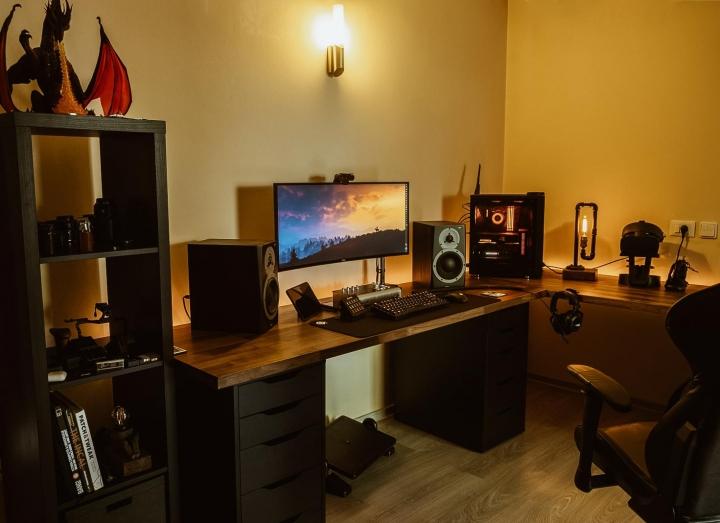 Show_Your_PC_Desk_UltlaWideMonitor_Part65_76.jpg