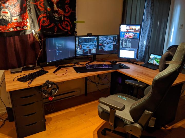 Show_Your_PC_Desk_UltlaWideMonitor_Part65_78.jpg