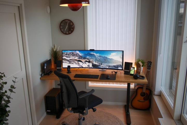 Show_Your_PC_Desk_UltlaWideMonitor_Part65_81.jpg