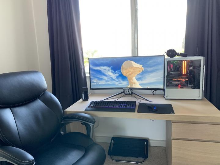 Show_Your_PC_Desk_UltlaWideMonitor_Part66_03.jpg
