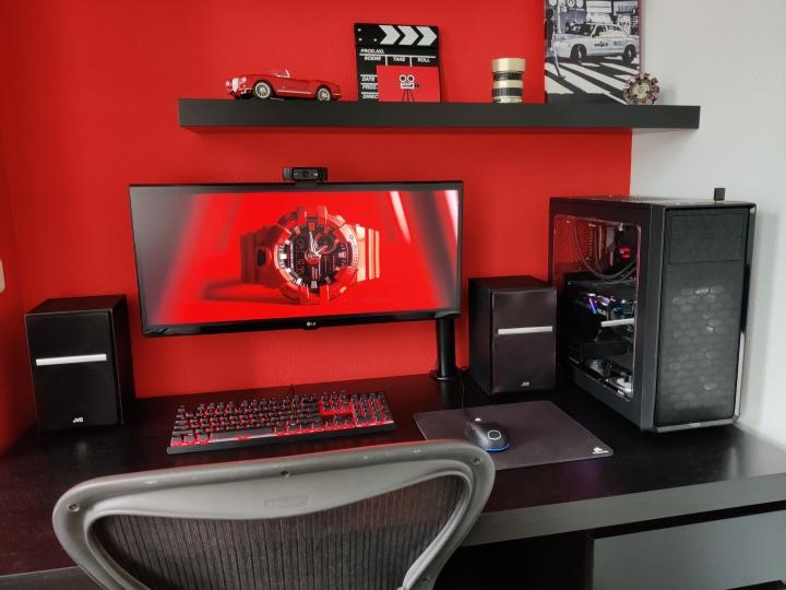 Show_Your_PC_Desk_UltlaWideMonitor_Part66_11.jpg