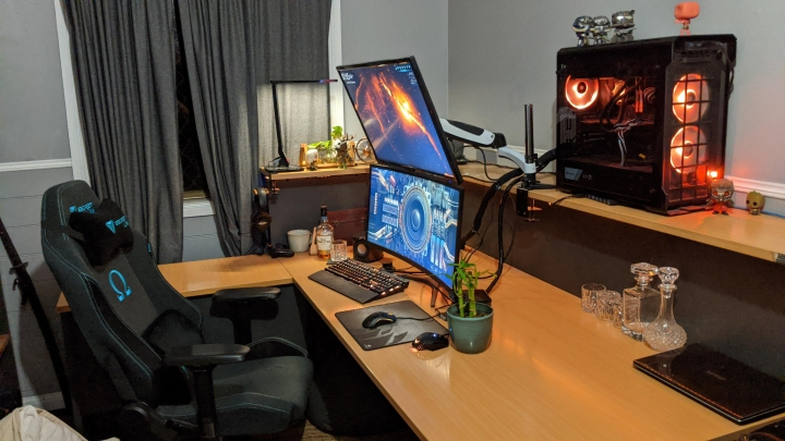 Show_Your_PC_Desk_UltlaWideMonitor_Part66_19.jpg