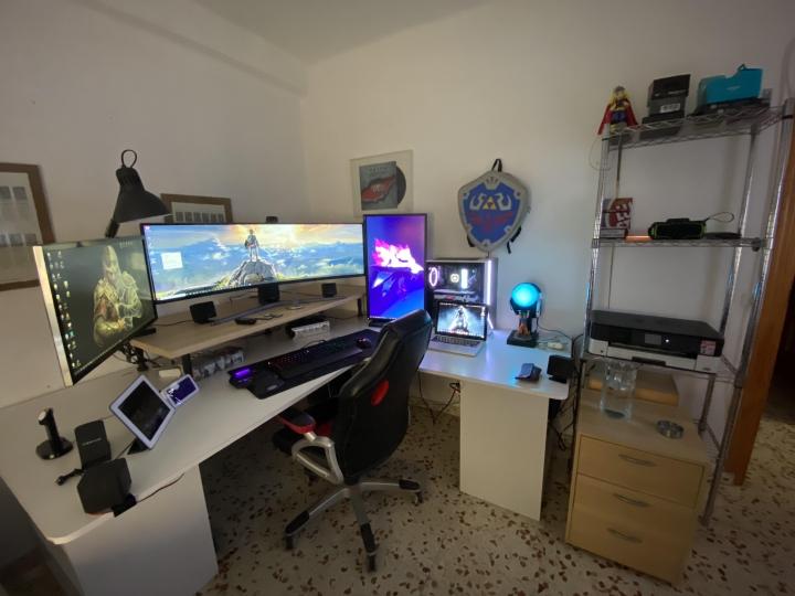Show_Your_PC_Desk_UltlaWideMonitor_Part66_22.jpg
